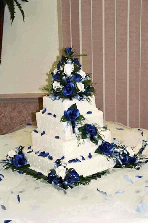 фото квадратных свадебных тортов с живыми цветами
