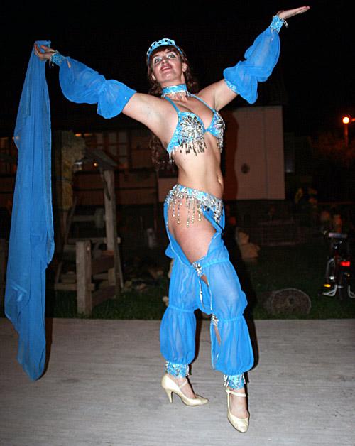 tantsovshitsi-eroticheskogo-tantsa-zhivota